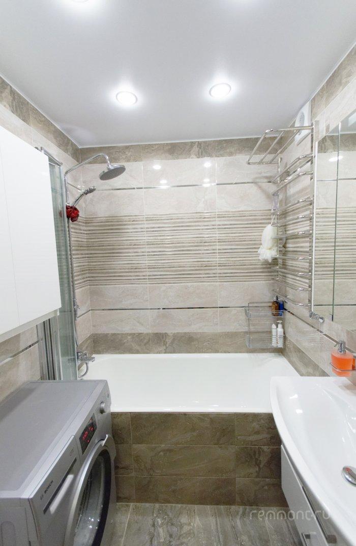 Фото ванных комнат 170х170 душевая кабина смеситель планка