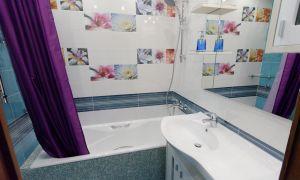 Непростой стильный ремонт ванной комнаты и туалета
